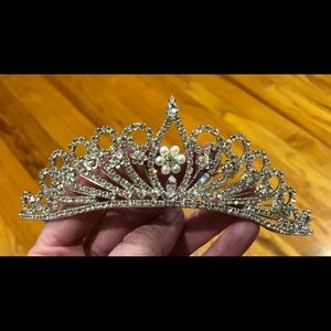 Accessories - Rhinestone Tiara, gorgeous